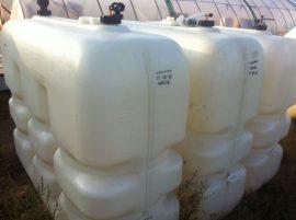 1.5 m3, 1500 L  HD-PE  plastic containers / barrels - more pcs