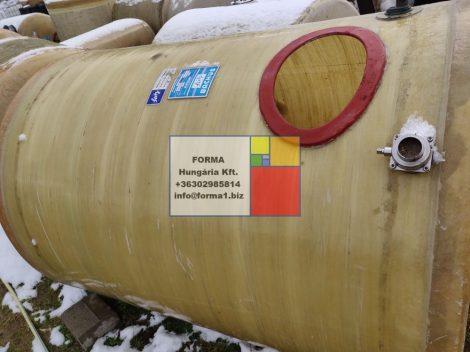 4,5 m3-es lencse alakú poliészter - üvegszálas műanyag tároló tartály;