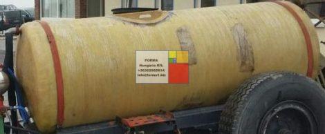 2 m3-es üvegszálas műanyag szállító tartály, fekvő henger - 2 db  - akár  földbe is süllyeszthető -;