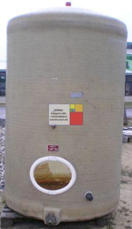 4 m3 - es álló poliészter - üvegszálas műanyag tartály - RESISTAN - több db -;