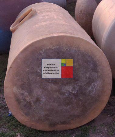 3  m3-es poliészter - üvegszálas műanyag tartály - fekvő hengeres- : azonosító : IH-400