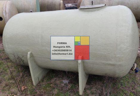 3  m3-es poliészter - üvegszálas műanyag tartály - fekvő hengeres - több db - R2;