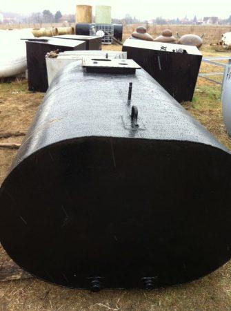 4 m3-es használt fekvő lapított hengeres vastartály - R1;