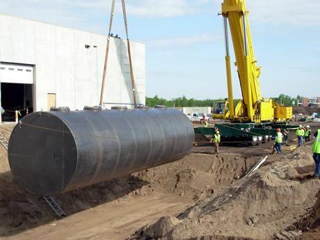 63 m3-es használt, felújított fekvő hengeres vas / acél tartály - R1;